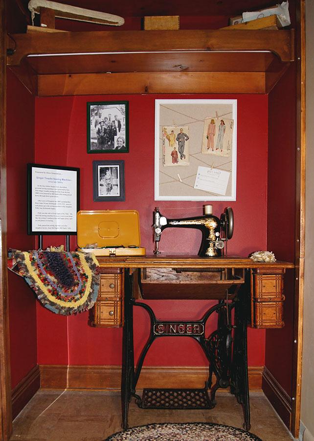 sewingdisplay-stclair-museum